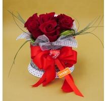Scatola carillon con 7 rose rosse