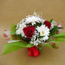 Bouquet con 3 rose rosse e gerbere