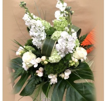 Mazzo di fiori misti bianchi