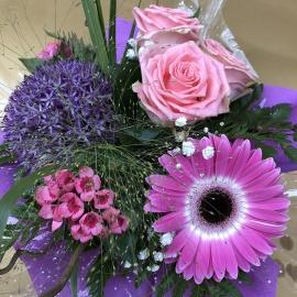 Bouquet di rose e fiori misti con riserva acqua
