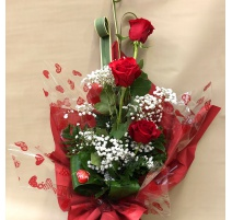 Mazzo di 3 rose rosse gambo lungo con riserva d'acqua